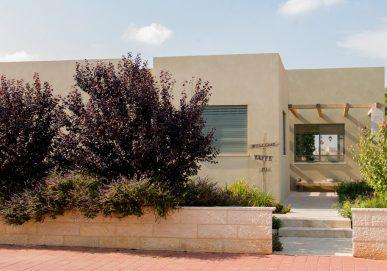 Shilat house